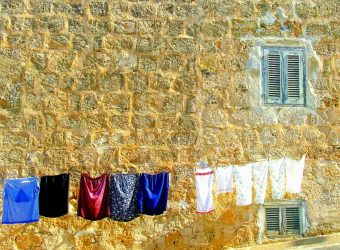 washing-day-1040031_1280