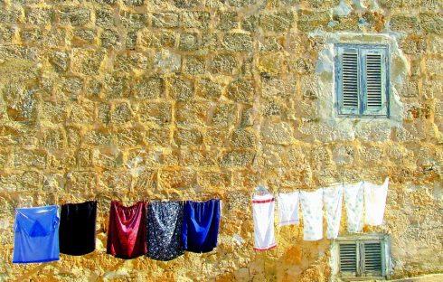 washing-day-1040031_1280